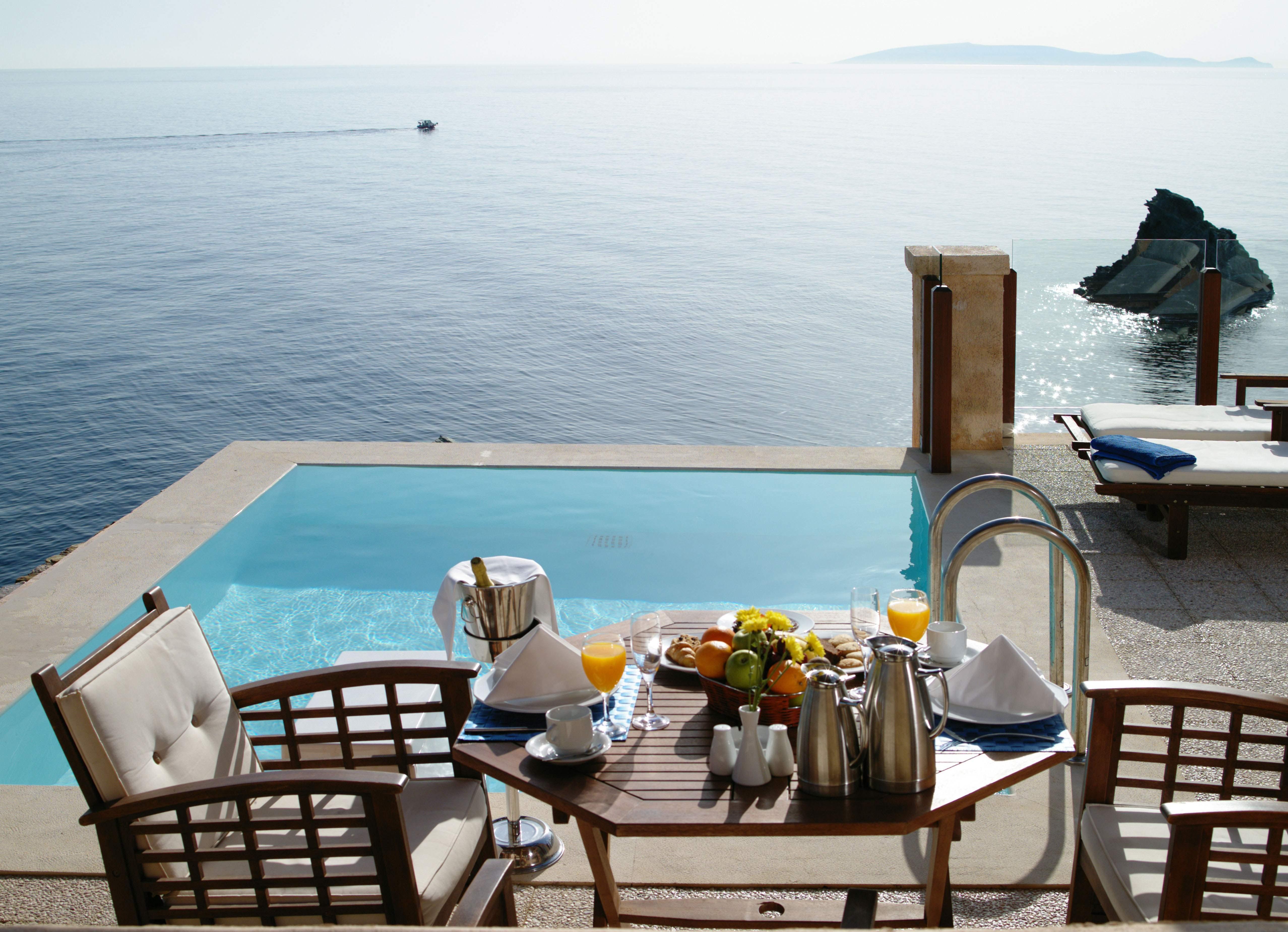 Снять бунгало около моря в греции