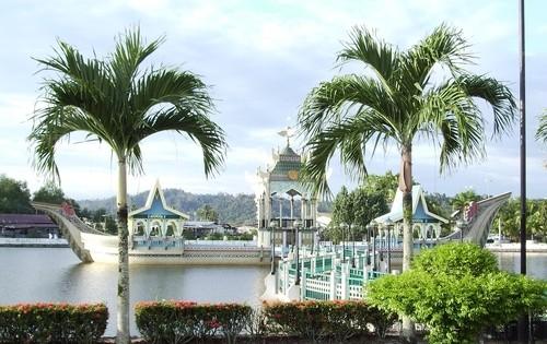 Бруней Едем в Бруней asia00142
