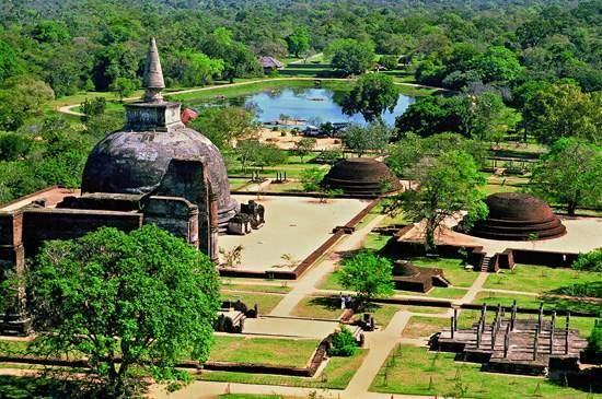Sri_Lanka_Polonnaruwa_2 ШРИ-ЛАНКА ШРИ-ЛАНКА Sri Lanka Polonnaruwa 2