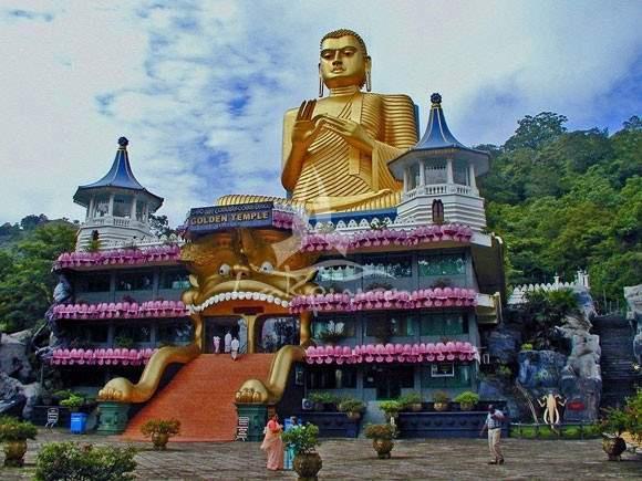 Sri_Lanka_dambulla_cave_temple