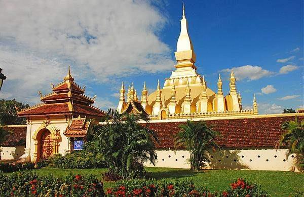 Laos_pha_that_luang