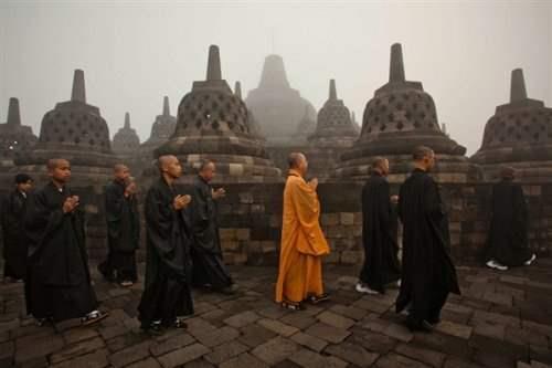 Cambodia_monks