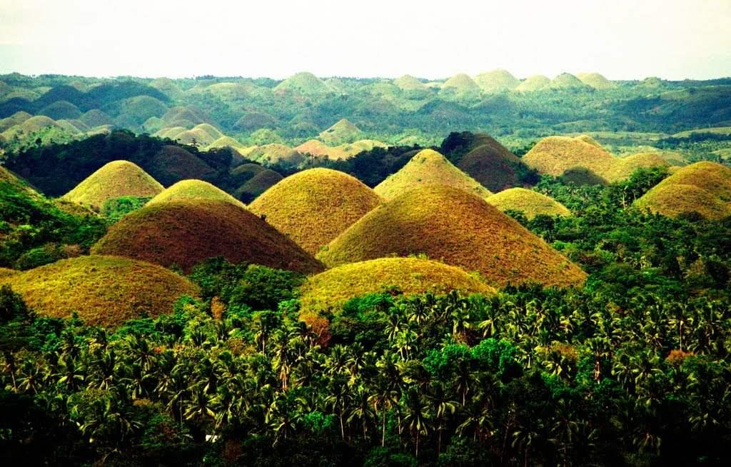 Philippines_chocolate_hills