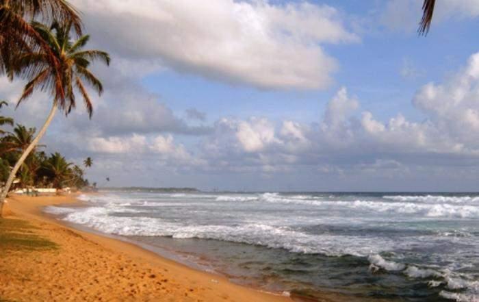 Sri_Lanka_hikkaduwa_beach_1