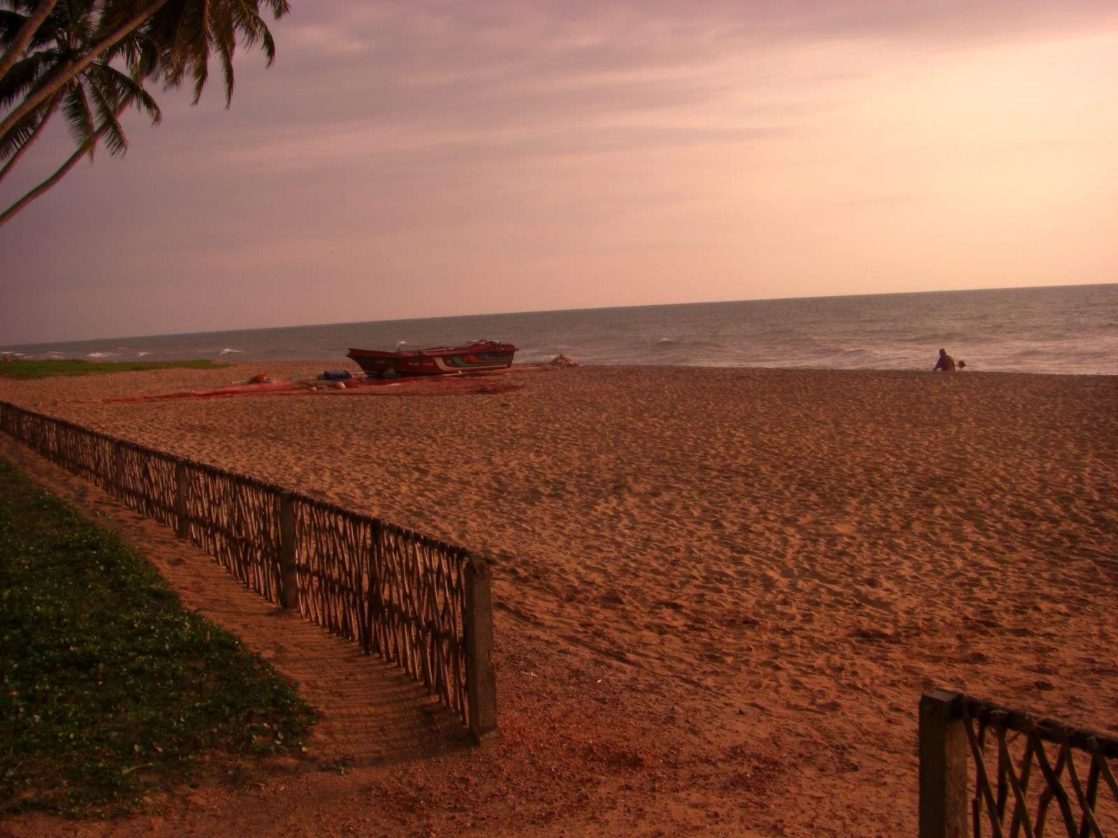 Sri_Lanka_hikkaduwa_beach_2