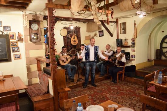 расширение армянские рестораны с живой музыкой судья единолично рассматривает