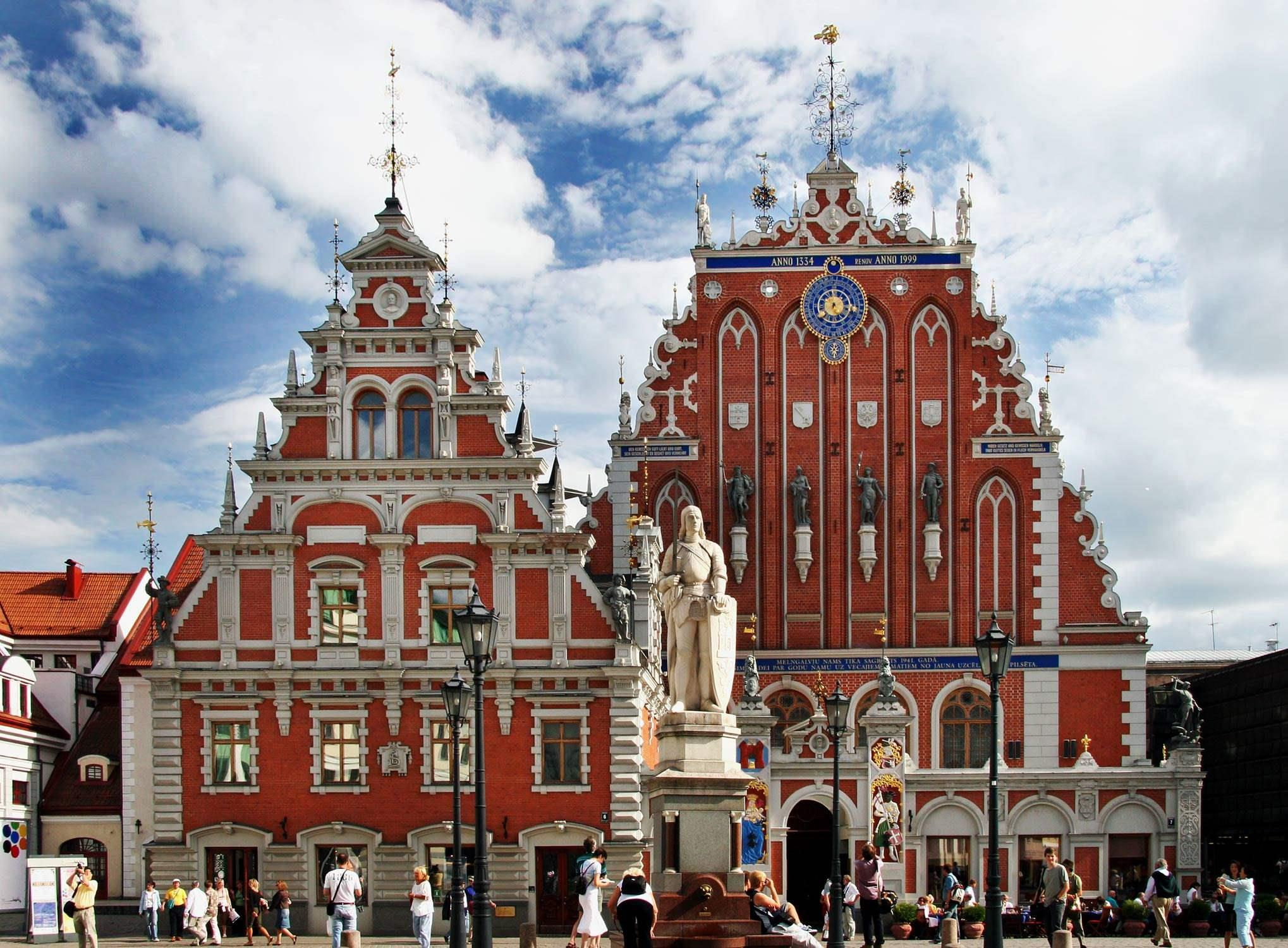 Latvia_Riga_public_square