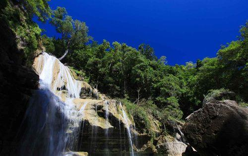 Madagascar_waterfall