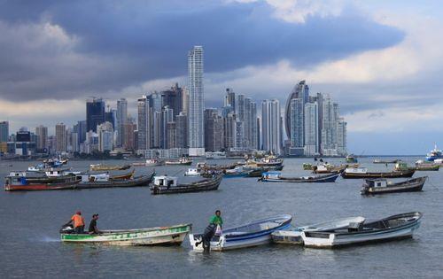 Panama_boats