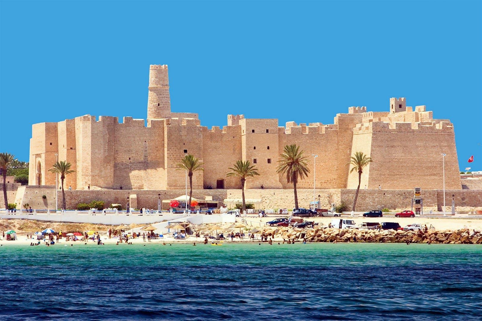 Серед постраждалих через проблеми з вильотами з Тунісу щонайменше півсотні закарпатців